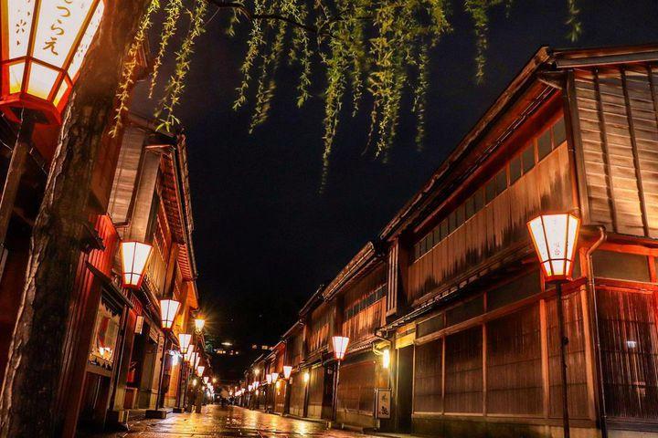 """非日常を訪ねて一人旅。センチメンタル漂う、日本の""""レトロな町並み""""12選"""
