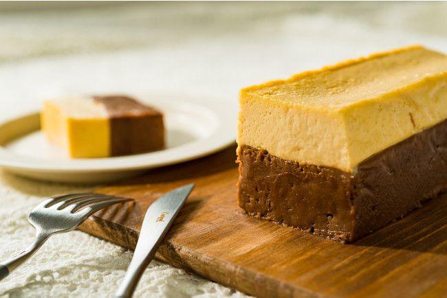 北海道産のチーズとチョコレートの2層仕立て。andewより新作チーズケーキ登場!