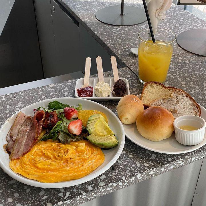 ごはんも120点満点の贅沢ステイ!都内の食事が美味しいホテル7選