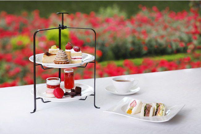 秘密の庭でモクテル茶会。ホテルニューオータニにて屋外アフタヌーンティー開催
