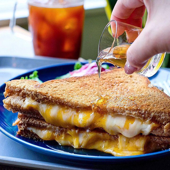 カメラの準備はOK?チーズマニアの私が推す絶品とろ〜りチーズグルメ7選