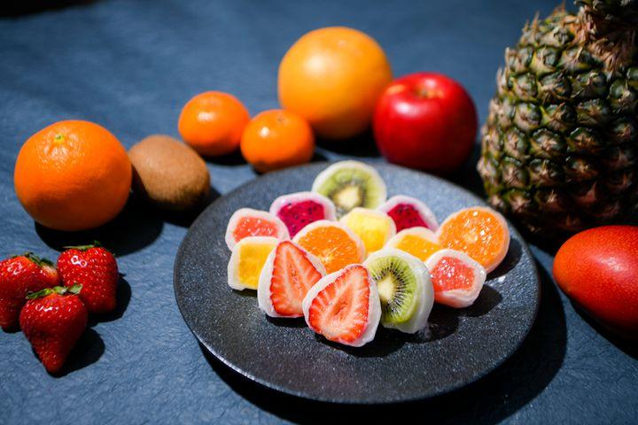 切ってときめき、心が弾む一口を。大阪にてフルーツ大福専門店「果実ノ華」オープン!