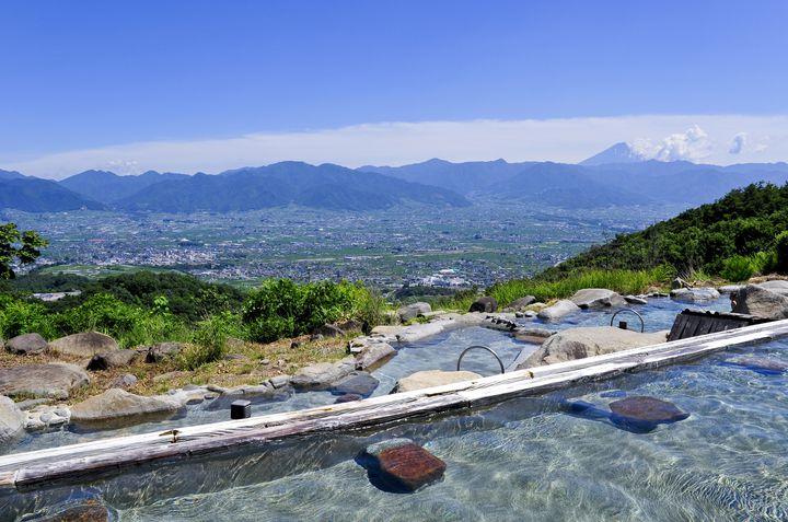 【絶景×温泉】死ぬまでに行きたい日本全国の「絶景露天風呂」11選